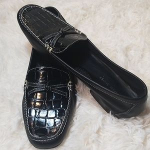 Karen Scott black leather flats/ loafer
